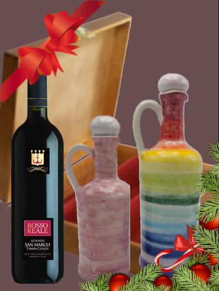 Due anforette di olio con una bottiglia di vino